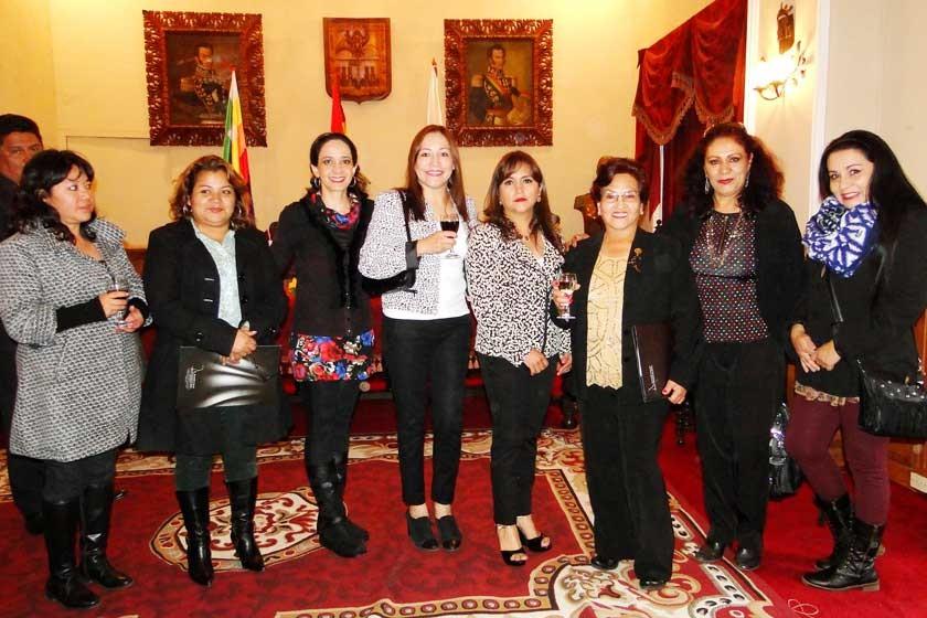 Verónica Berríos, Arminda Herrera, Alejandra Barzón, Susy Barrios, Carola Lenz, Graciela Olivares, Susy de Lagrava