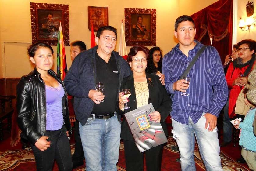 Hilda Vedia, Filiberto Rivero, Graciela Olivares y Juan Mejía.