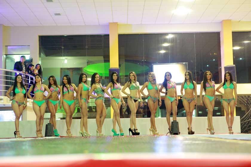 Las candidatas en la elección de Miss Silueta, Mejor Sonrisa y Miss Fotogénica.