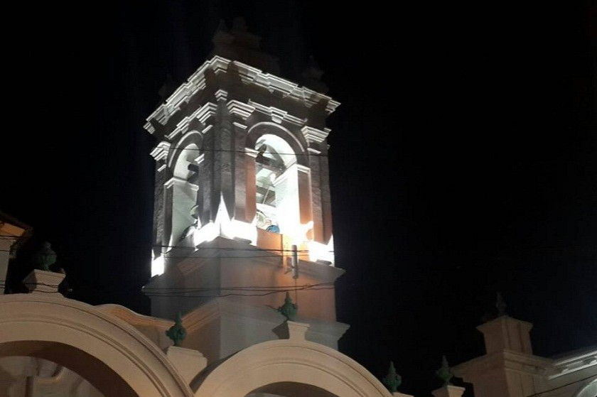 Autoridades encendieron el Fuego de Mayo en la Campana de la Libertad. Foto: Gentileza GAMS