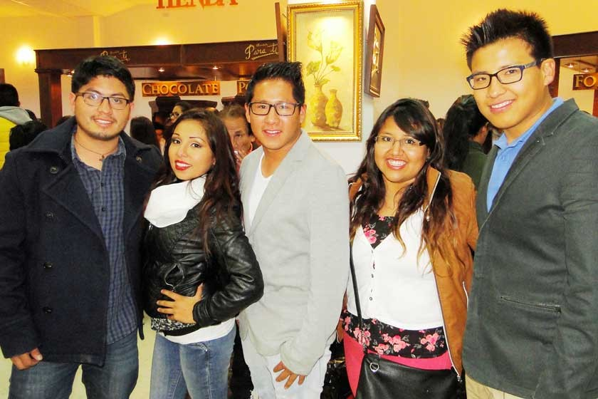 Jorge Siñani, Linda Mancilla, Mijaíl, Maribel y Gabriel Picha.