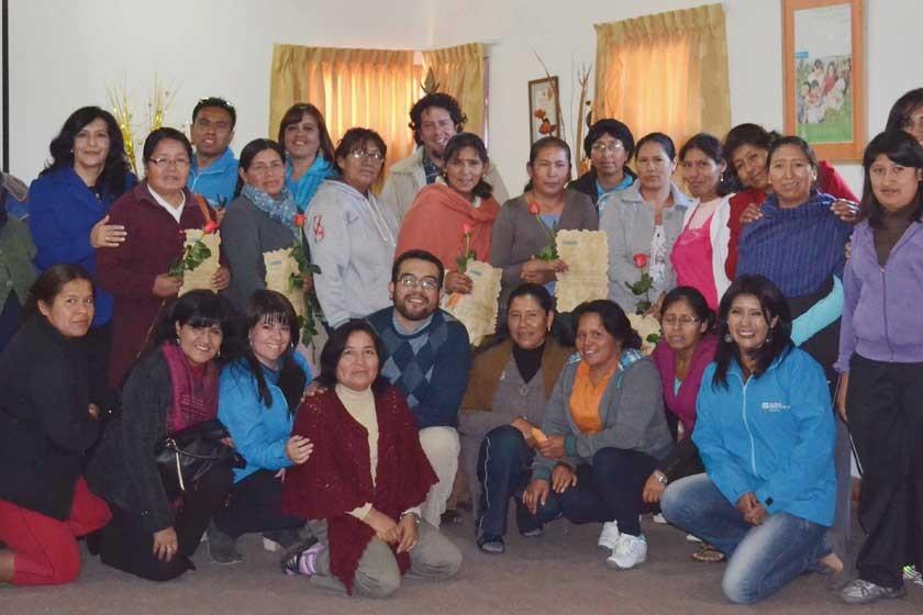 Directores, equipo técnico, mamás y tías de Aldeas Infantiles SOS Sucre.