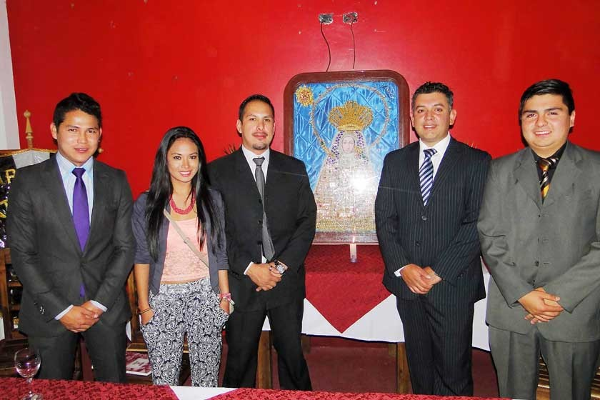 Ricardo Rojas, Daniela Arandia, Guido Reyes, Cristian Vacaflores y Alenkar Nava.