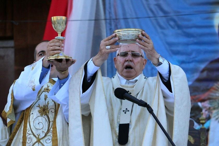 Monseñor Jesús Juárez celebró la eucaristía de Corpus Christi. Foto: CORREO DEL SUR