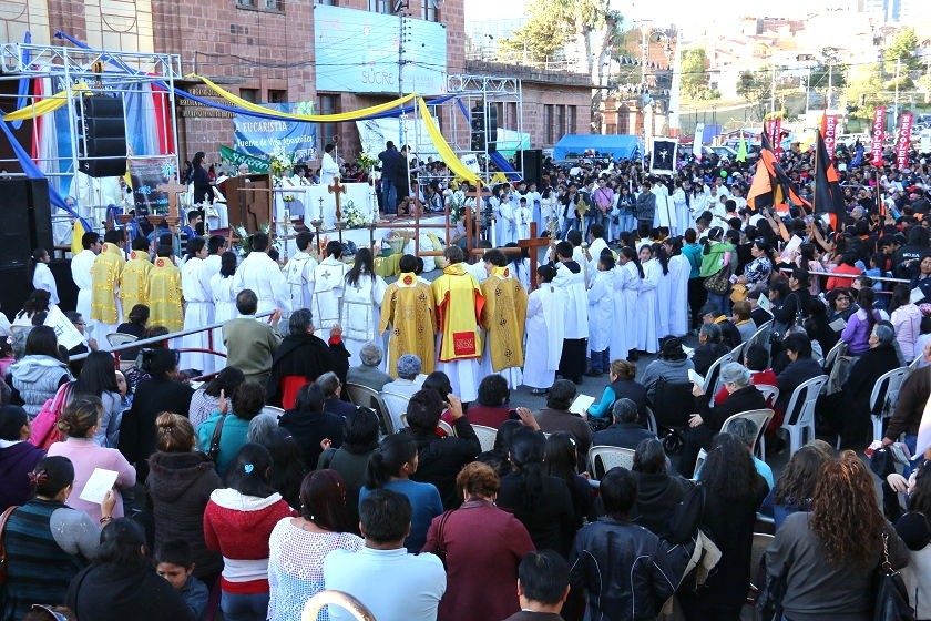 La eucaristía de Corpus Christi fue en la plaza Aniceo Arce. Foto: CORREO DEL SUR