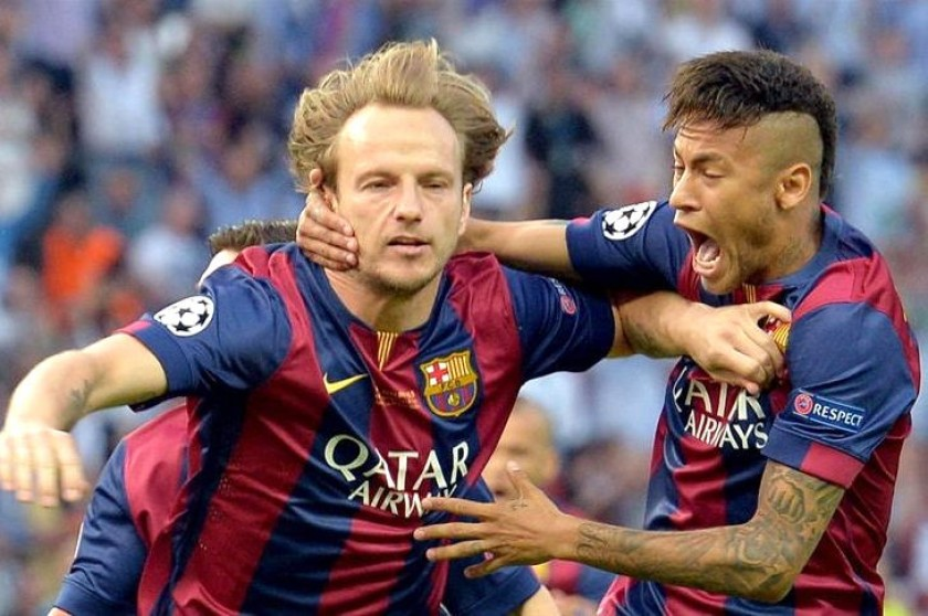 Rakitic celebra con Neymar el primer gol de la final. Foto: EFE