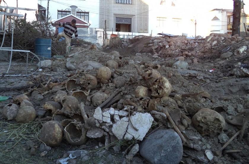 Los restos humanos fueron encontrados en la plaza principal de Potosí. Foto: APG