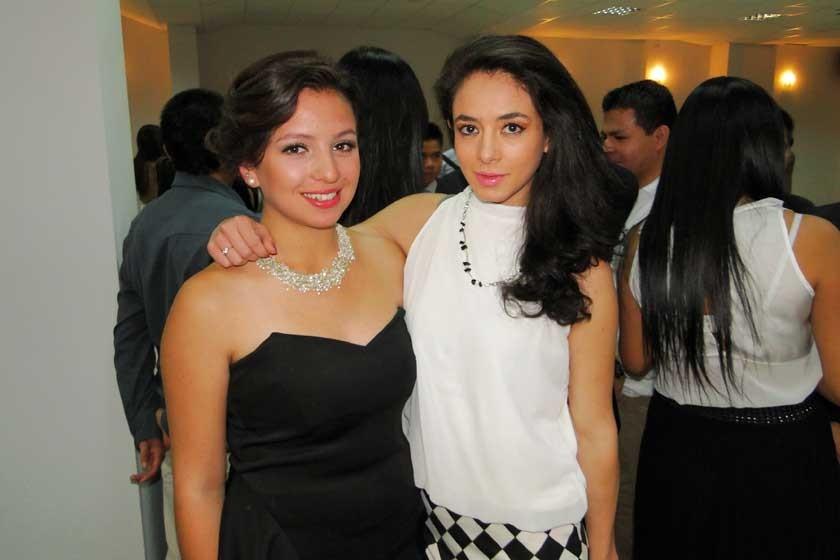 Carla Quintanilla y Nazareth Caballero.