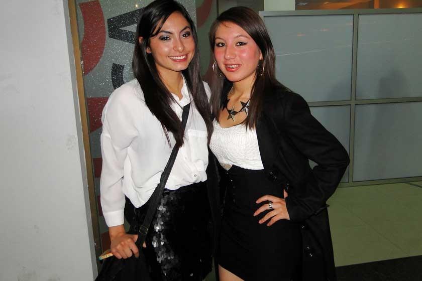 Mikaela Villavicencio y Angelina Medrano.