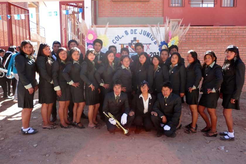 """La promoción 2015 del Colegio 6 de Junio """"B""""."""