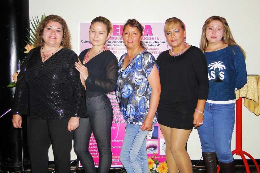 Mariana Imana, Pamela Inchausti, María Rocha, Matilde Gonzales  y Verónica Zambrana.