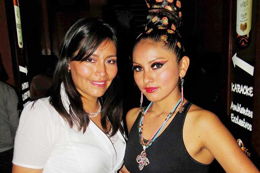 Cristina Ortiz y Roxana Gonzales.