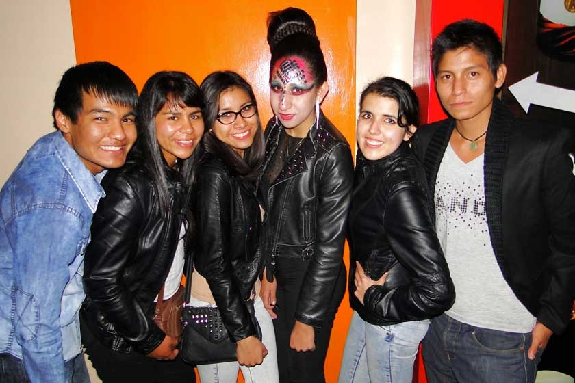 Gerson Areco, Rosmery Galean, Marcela Castillo, Carolina Castillo, Brenda Noya y Briguer Cruz.