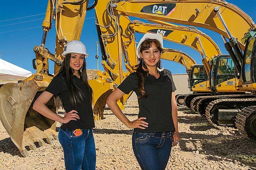 Marcela Barrientos y Melissa Nogales, modelos del evento.
