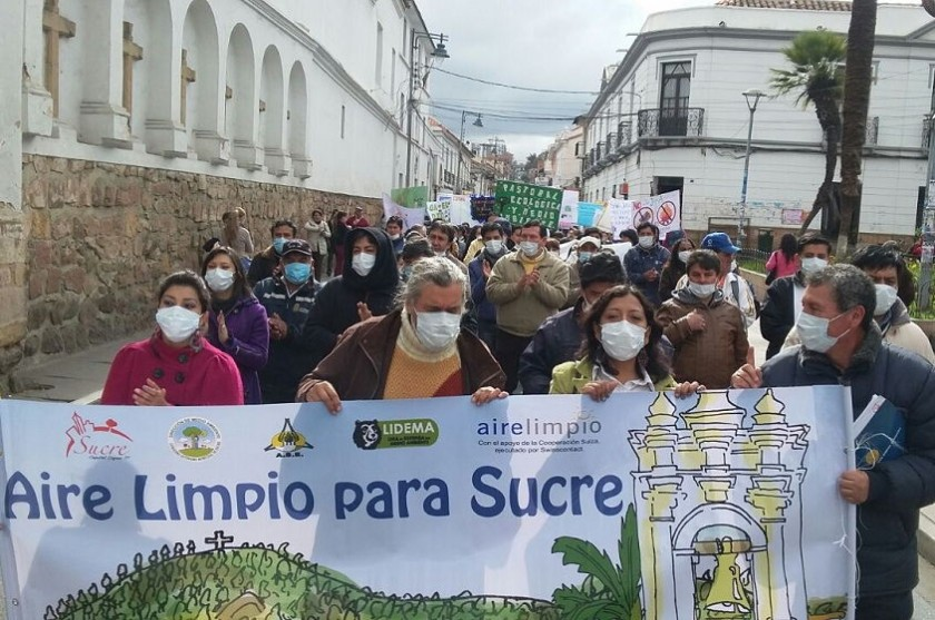 La marcha se realizó la mañana de este martes por las calles de la ciudad. Foto: CORREO DEL SUR