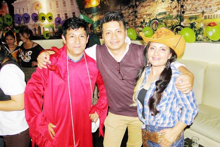 Mario Betanzos, Abraham Andrade y Rosario Gaona