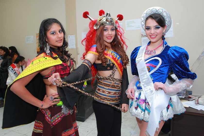 Paola Andrea Ávalos, Daniela Andia y Fernanda Careaga.