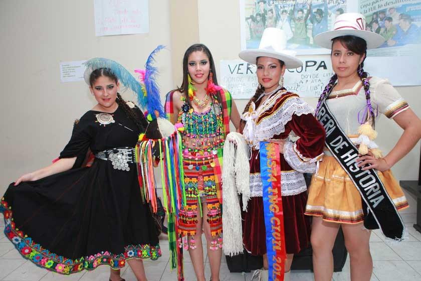 Mery Escobar, Andrea Rosales, Alisson Gallardo y Marita Cabrera.