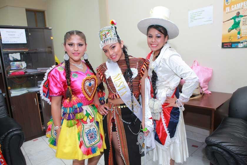 Rilma Maturano, Marianela Limachi y Belén Farfán.