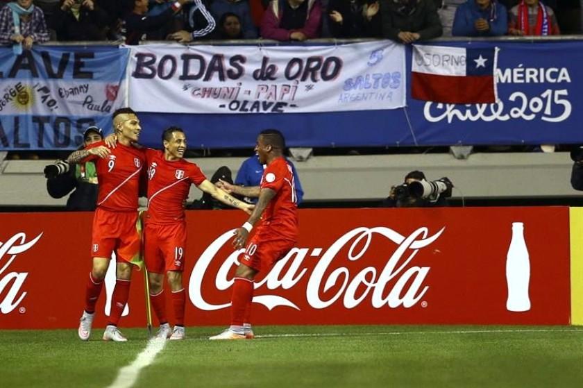 La celebración del cuadro peruano que ya está en semifinales. Foto: EFE