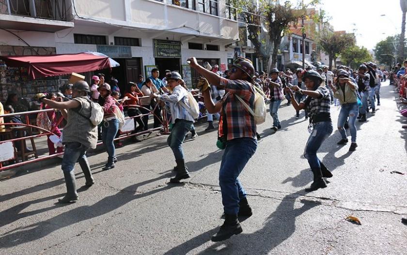"""""""Mineritos"""" es una de las danzas más tradicionales. FOTO: CORREO DEL SUR"""