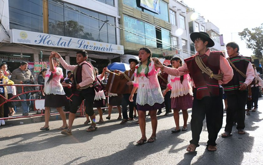 Danzas reflejaron cultura boliviana. FOTO: CORREO DEL SUR