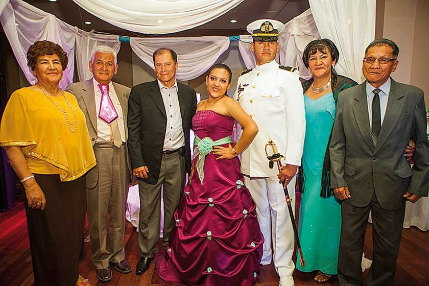 Teresa de Zárate, Juan Zárate, Juan Sahonero, Tania Sahonero Zárate, Juan Antonio Sahonero, Teresa Zárate y Félix S.