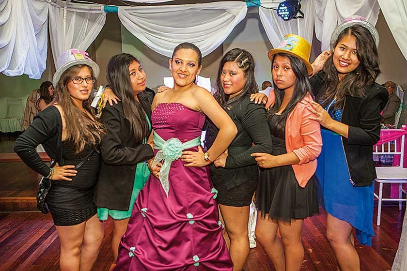 Vanesa Cáceres, Daniela Andrade, Tania Sahonero, Jacqueline Tancara, Naira Torihuano y Milca Huasco.