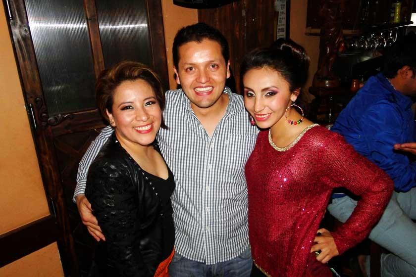 Karina Cárdenas, Juan Carlos Argandoña y Valeria Pinto.