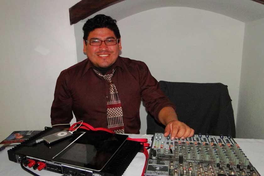 DJ Erik.