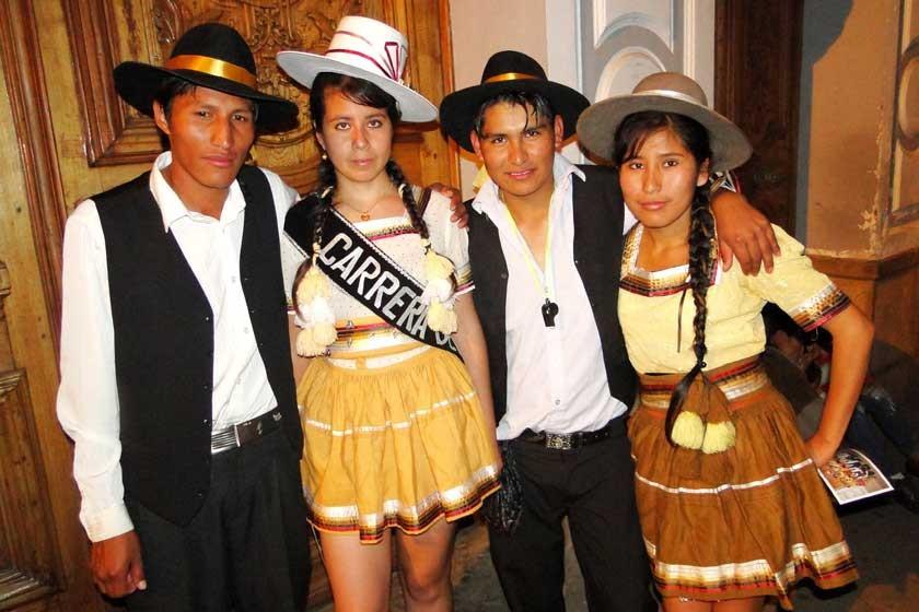 Francisco Tamarez, Marita Cabrera, Julio Llanqui y Beatriz Muñoz.