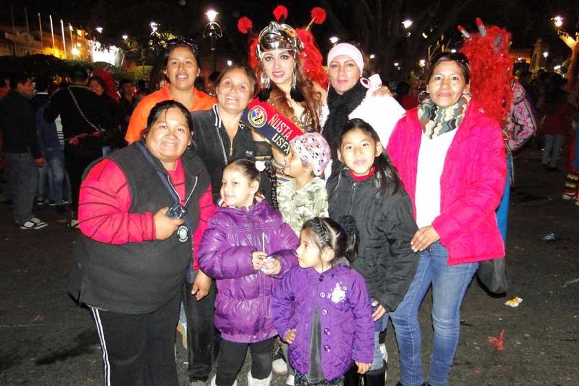 Daniela Andia junto a su familia.