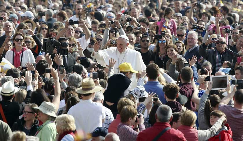 Papa se centra en la familia; el país lo espera