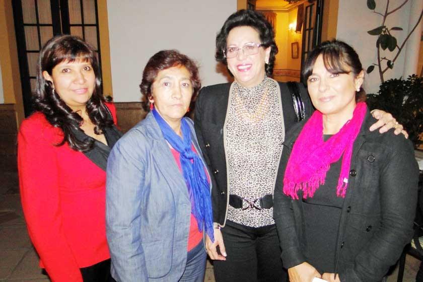 Sandra Ramírez, Ilda Barahona de Ariñez, Sonia de Taboada  y Ximena de Rodríguez.