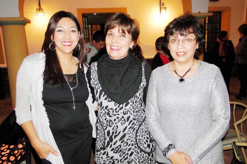 Vivian Rocha, Rosario Rodríguez y Lourdes Arrueta.