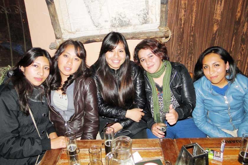 Grupo Femenino Jasy Bolivia.