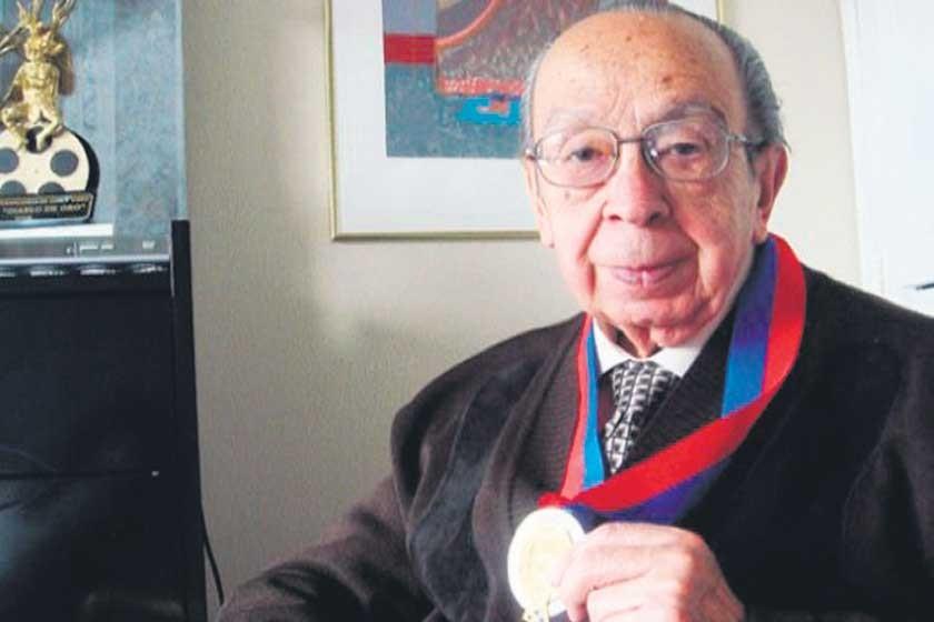 Se va Luis Ramiro Beltrán