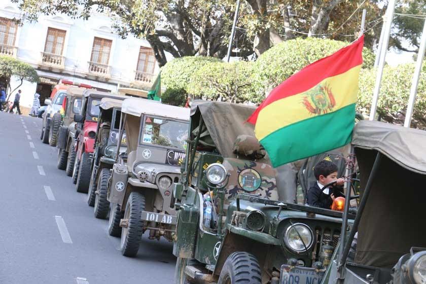 Caravana de Willys en Sucre