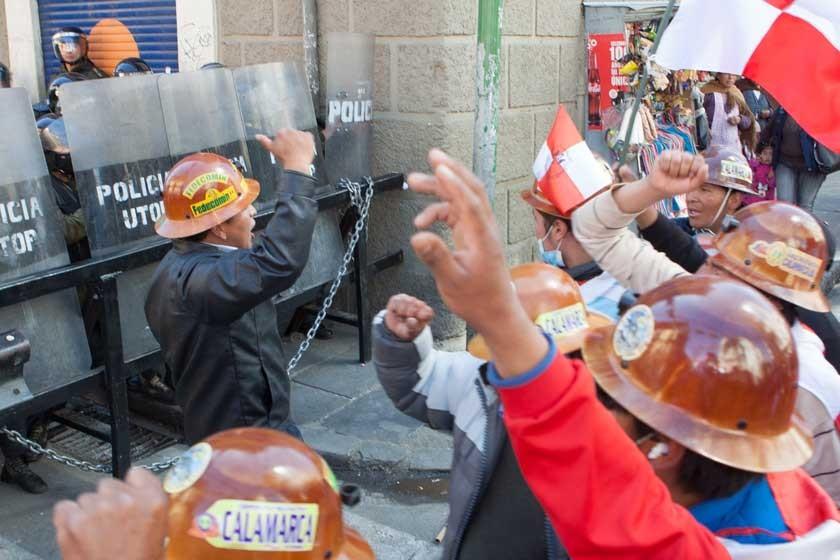 No prospera atisbo de diálogo con Potosí
