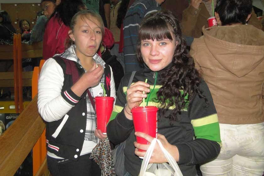 Diana Torres y Lorena Dulon.