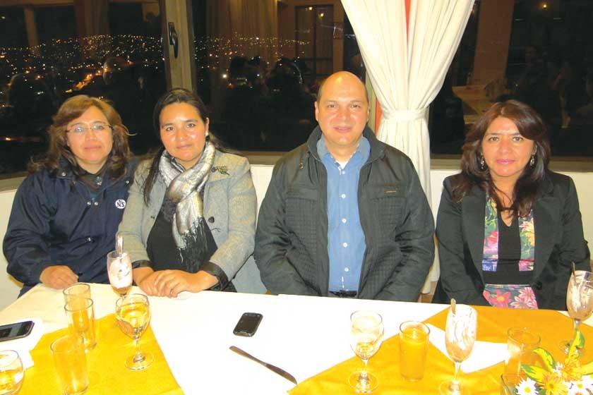 Maribel Ance, Nelly Morales, Fabio Ramírez y Evelin Ortubé.