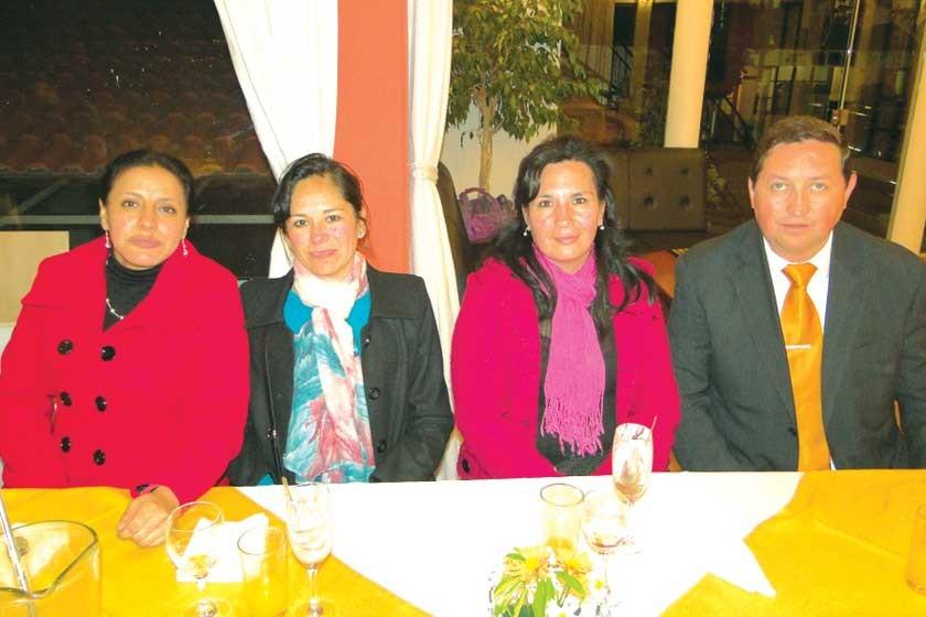 Carmen Alvarado, Cristina Tirado, Fabiana Salguero y Marcelo Guzmán.