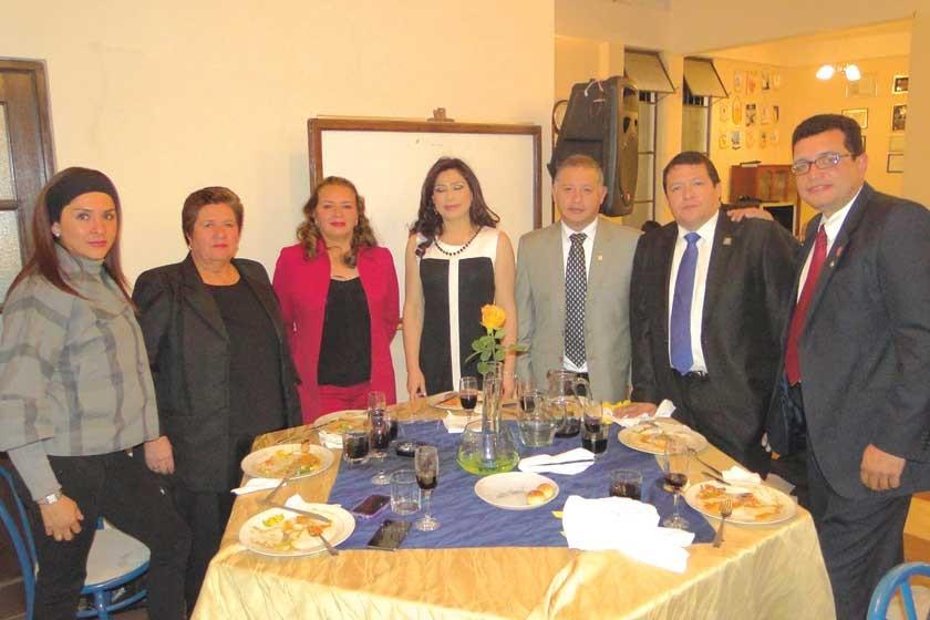 Vanessa Calvo, Ana de Lora, Jacqueline Lora, Lidia Villarroel, Alexander Lora, Javier Durán y Marcelo Auza.