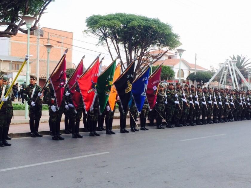 Ensayo de la parada militar de este viernes, en Sucre. Foto: Henry Aira