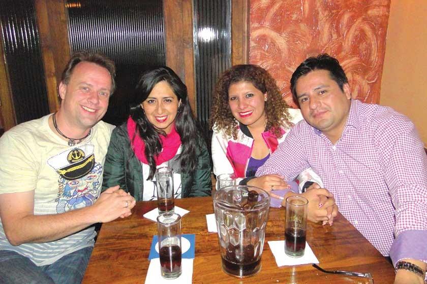 Martín, Mariela, Maricely y Arnold.