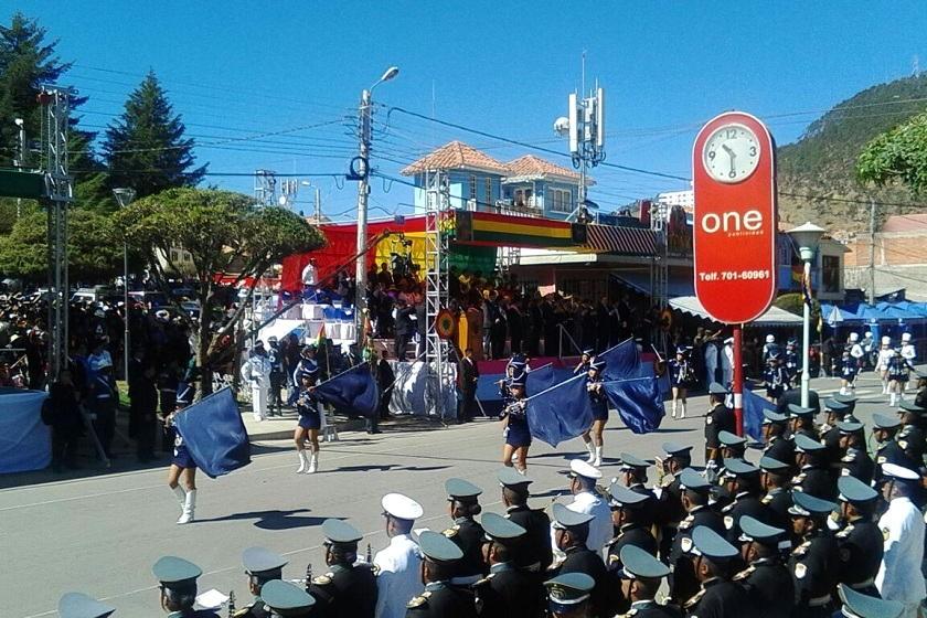 La Parada Militar está en pleno desarrollo en Sucre. Foto: Richard Mamani