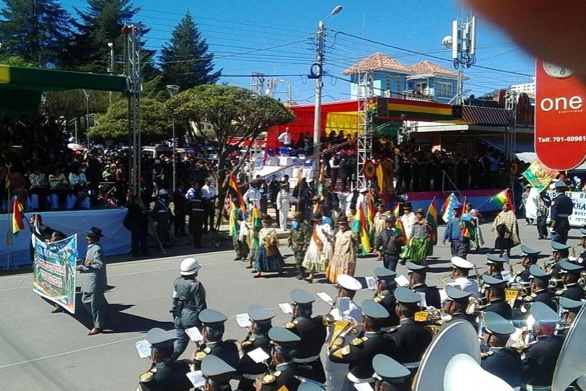 Organizaciones sociales también participan de la Para Militar. Foto: CORREO DEL SUR