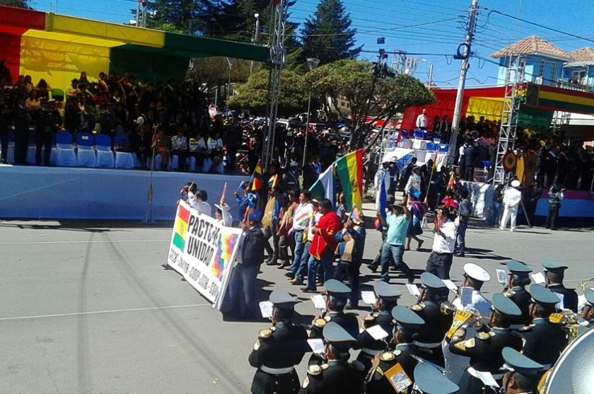 Organizaciones sociales también participan de la Parada Militar. Foto: CORREO DEL SUR