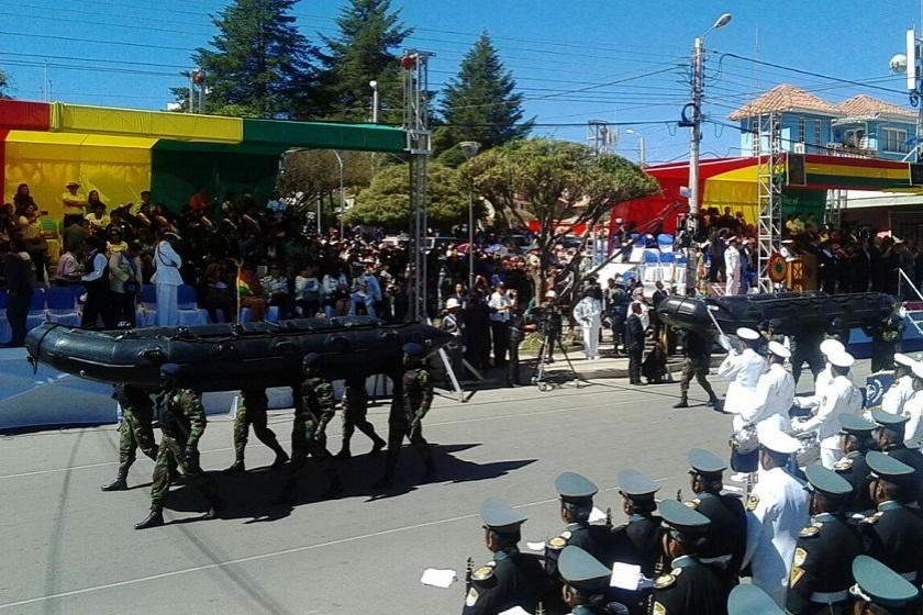 La Parada Militar se desarrola en Sucre. Foto: CORREO DEL SUR