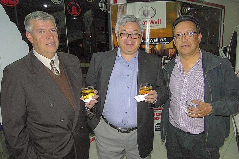 Johann Hochstatter, José Luis Hernáiz y Mario Gonzales.